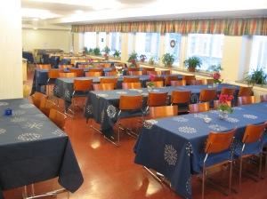 Lumitähtiä -pöytäliinat 125 v juhlalounaalla