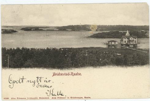 Raahen lukion rantaa yli sata vuotta sitten. Gellinin paviljonki näkyy vanhassa postikortissa.
